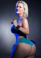 Mature Carla Montana - escort in Limerick City
